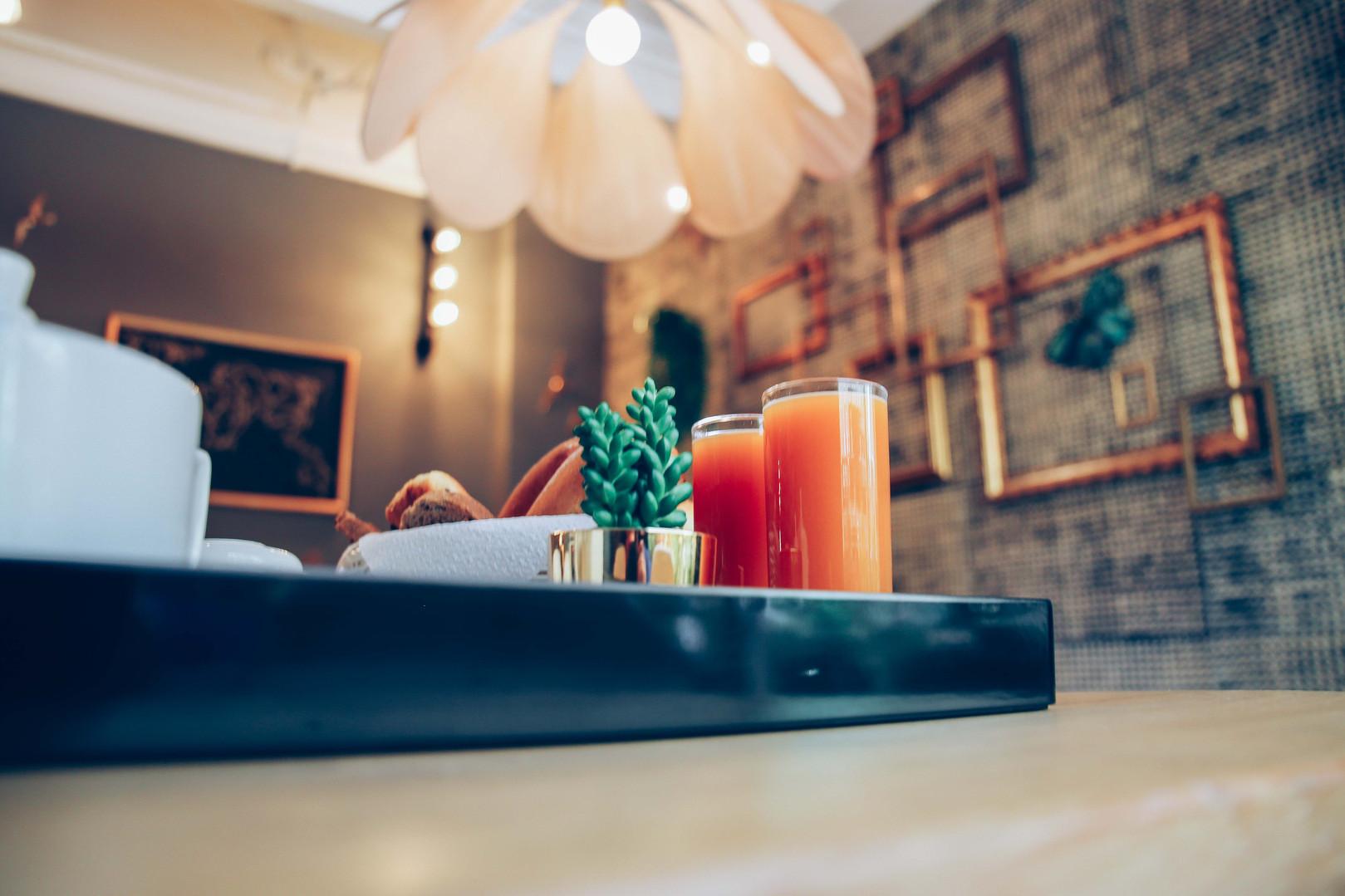 Petit-déjeuner I Hôtel Acanthe en plein centre de Nice