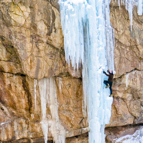 3 Top Places for Ice Climbing in Colorado