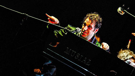 Chilly Gonzales   001   900x.jpg