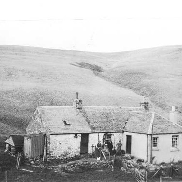 046 - House on hill above Blackford