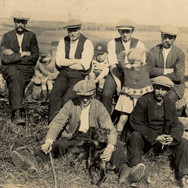 096 - Workers at Sharp's Farm Bardrill 1922-28