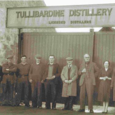 190 - Tullibardine Distillery Workers 1950s