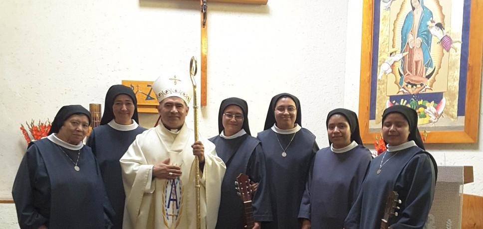 Gracias Monseñor Carlos, encargado de la Vida Consagrada