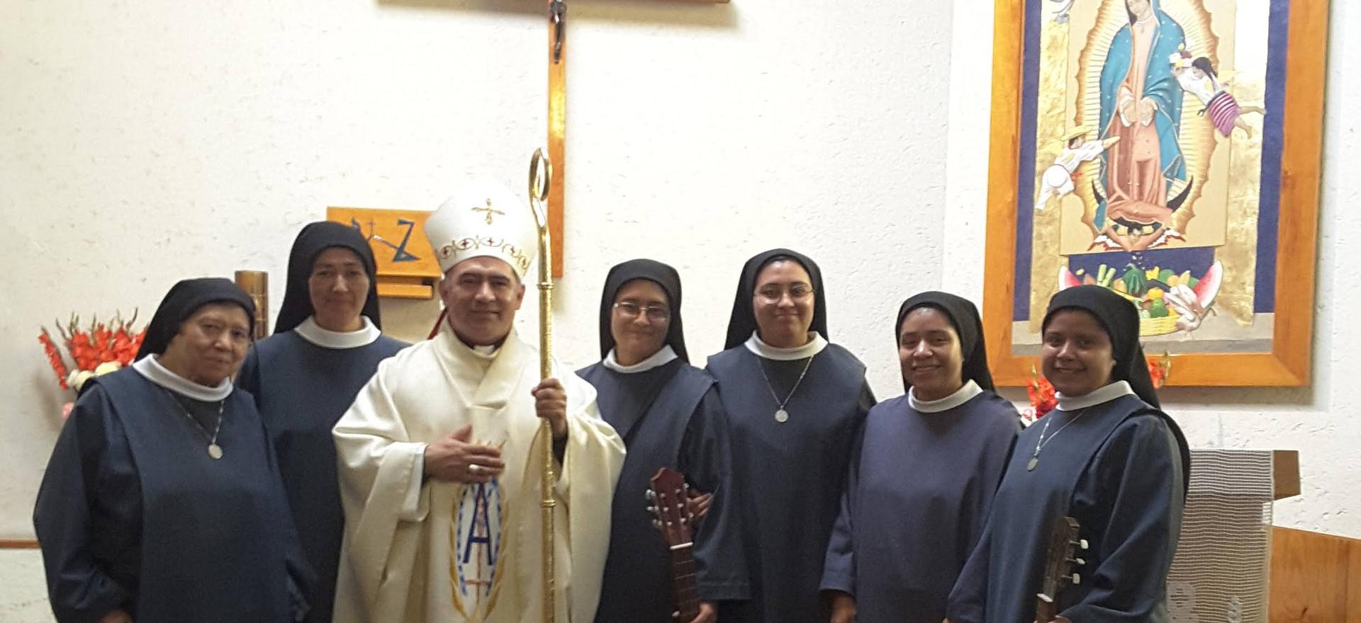 Visita del Monseñor Carlos Enrique