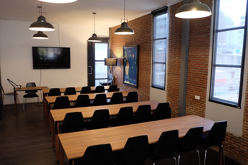 Large meeting room M606 with class room layout at The Work Loft | Coworking space - Meeting room - Private office