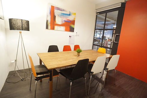 Meeting room M502 at The Work Loft | Coworking space - Meeting room - Private office