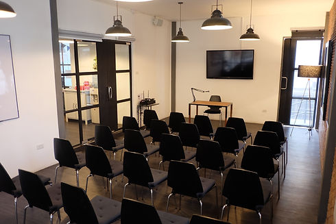Large meeting room M606 with theater layout at The Work Loft | Coworking space - Meeting room - Private office