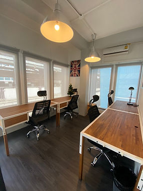 Team room M505 at The Work Loft | Coworking space - Meeting room - Private office