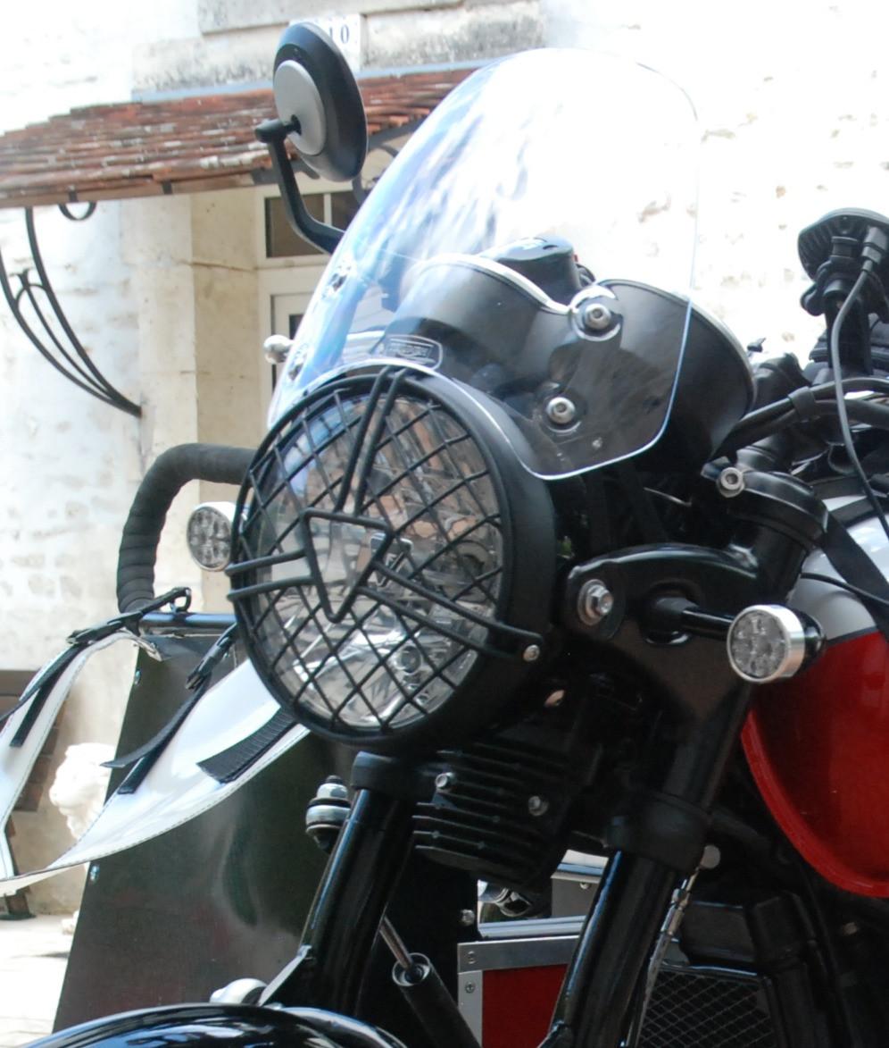 Triumph T100 bonneville grille de phare bulle