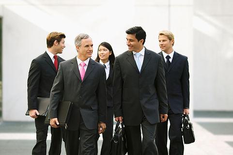Hommes et femmes d'affaires. Gestoinnaires de placements.