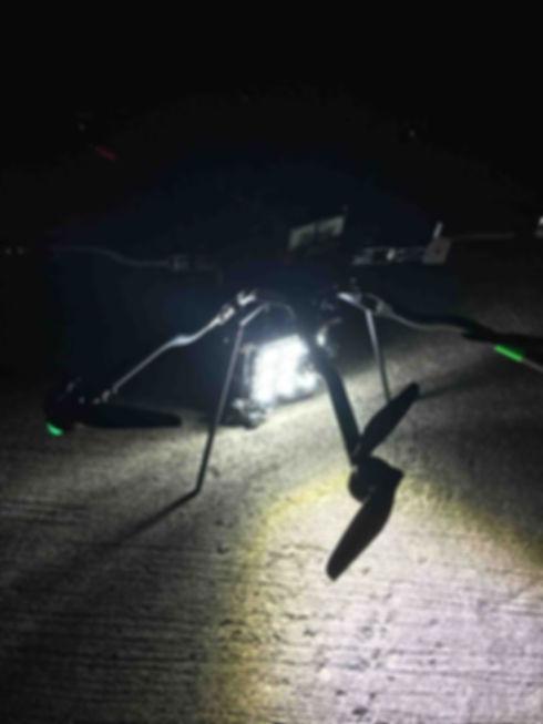 ドローン,ドローンライティング,夜間空撮,照明,ドローン照明,