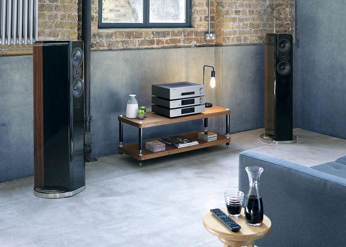 Cambridge_Audio_CX_Series2_CX81_stack_01