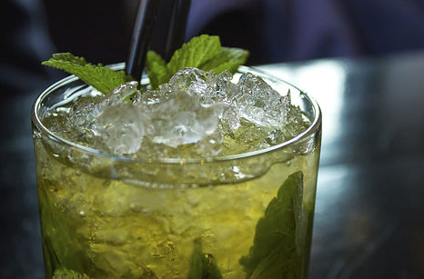 cocktail-2306939_1920.jpg