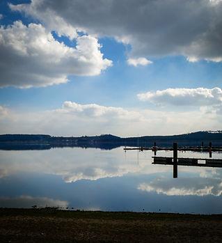 lake-5067806_1920.jpg