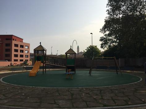 Parco con giochi per bambini