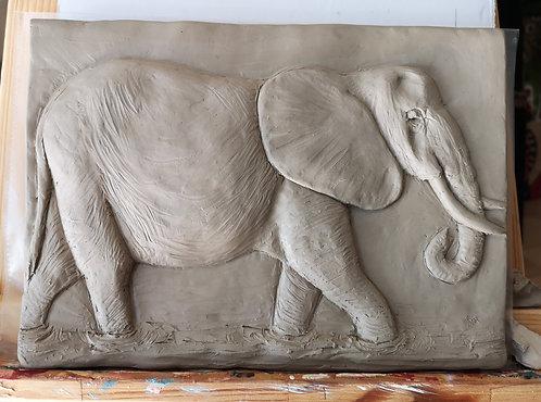 Bildhauerei St.Gallen, Bildhauerarbeit, Tonrelief, Elefant, Flachrelief, St.Gallen
