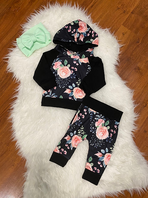 Black Flower Sweater Outfit