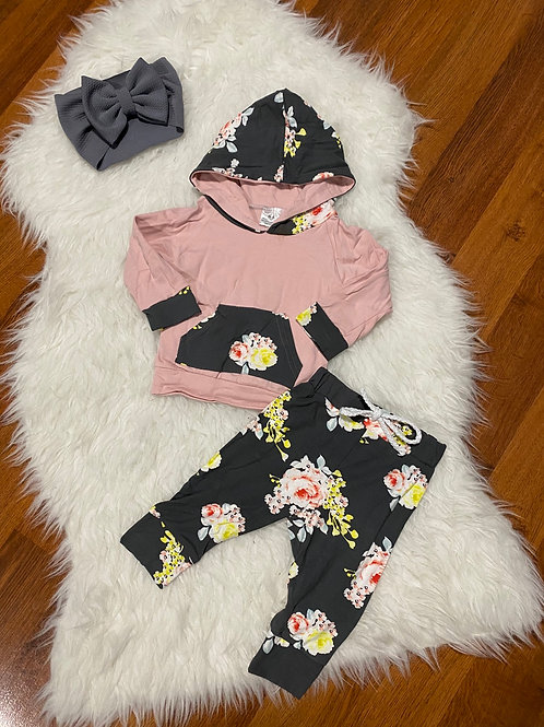 Light Pink Grey Flower Outfit