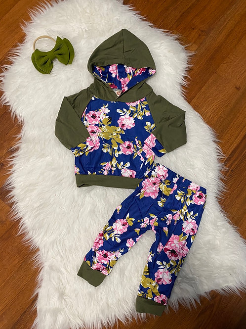 Army Flower Sweater Outfit