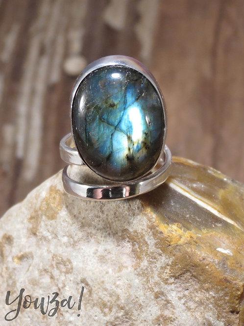 Brekke Labradorite Ring