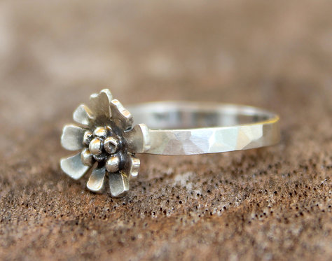 Wild and Free Daisy Ring