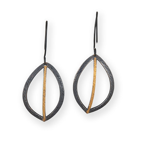 Hollow Leaf Earring Large Oxidized