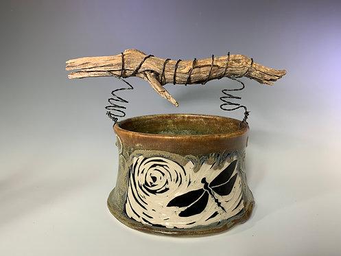 Dragonfly Basket w/handle