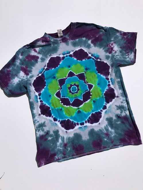 XL Unisex T-Shirt w Mandala