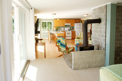 Studio Suite spacious, complete kitchen waterfront views (3)