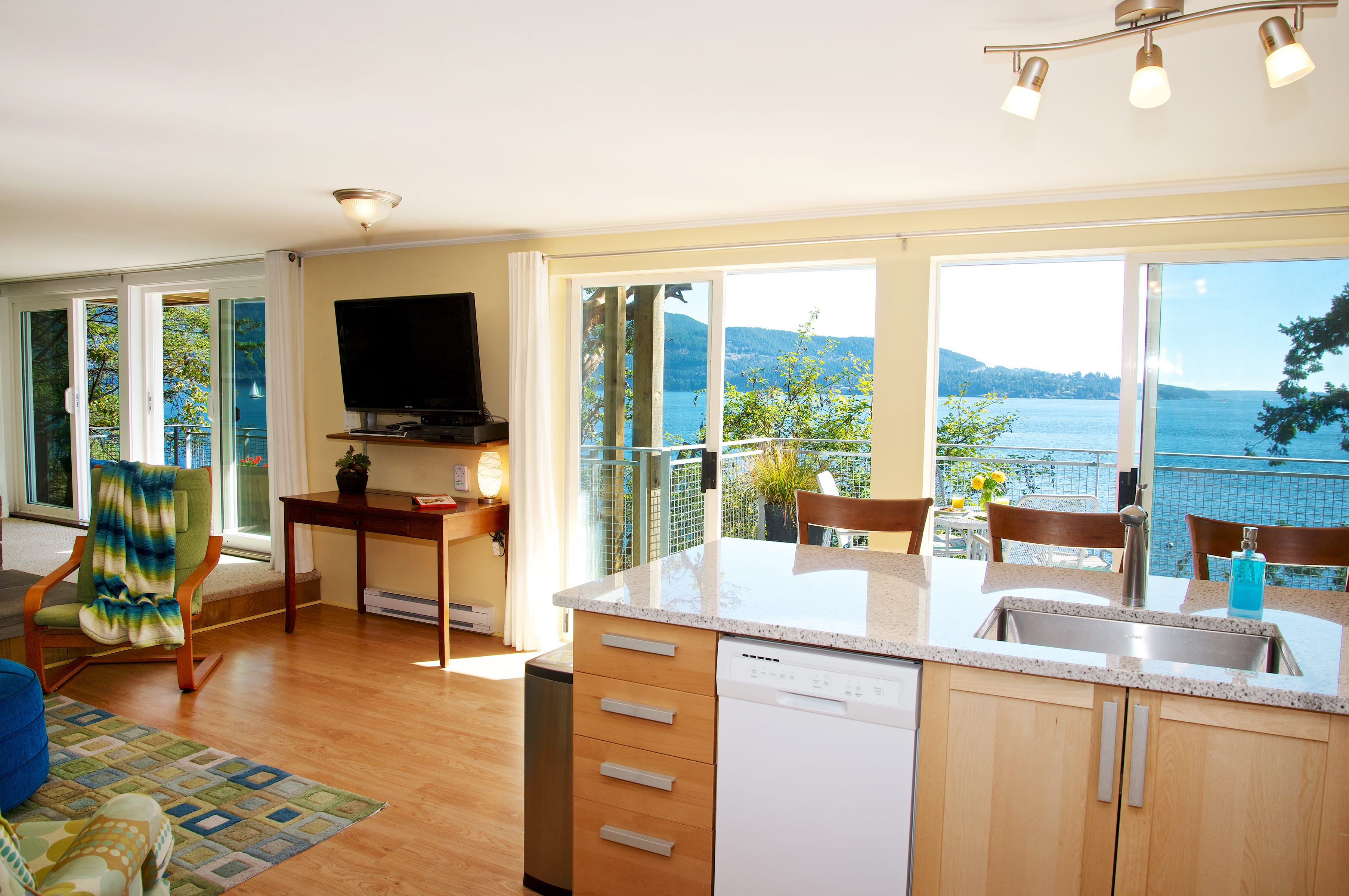 kitchen with waterfront views (2)