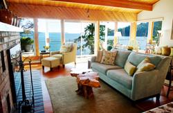 Lazy Bowen Hideaway waterfront views