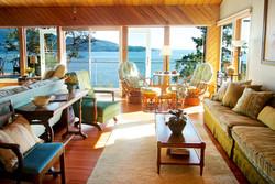 Lazy Bowen Hideaway living room (2)