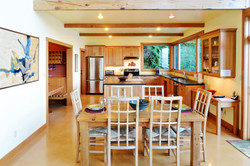 dining for 6 open to ocean views (1)