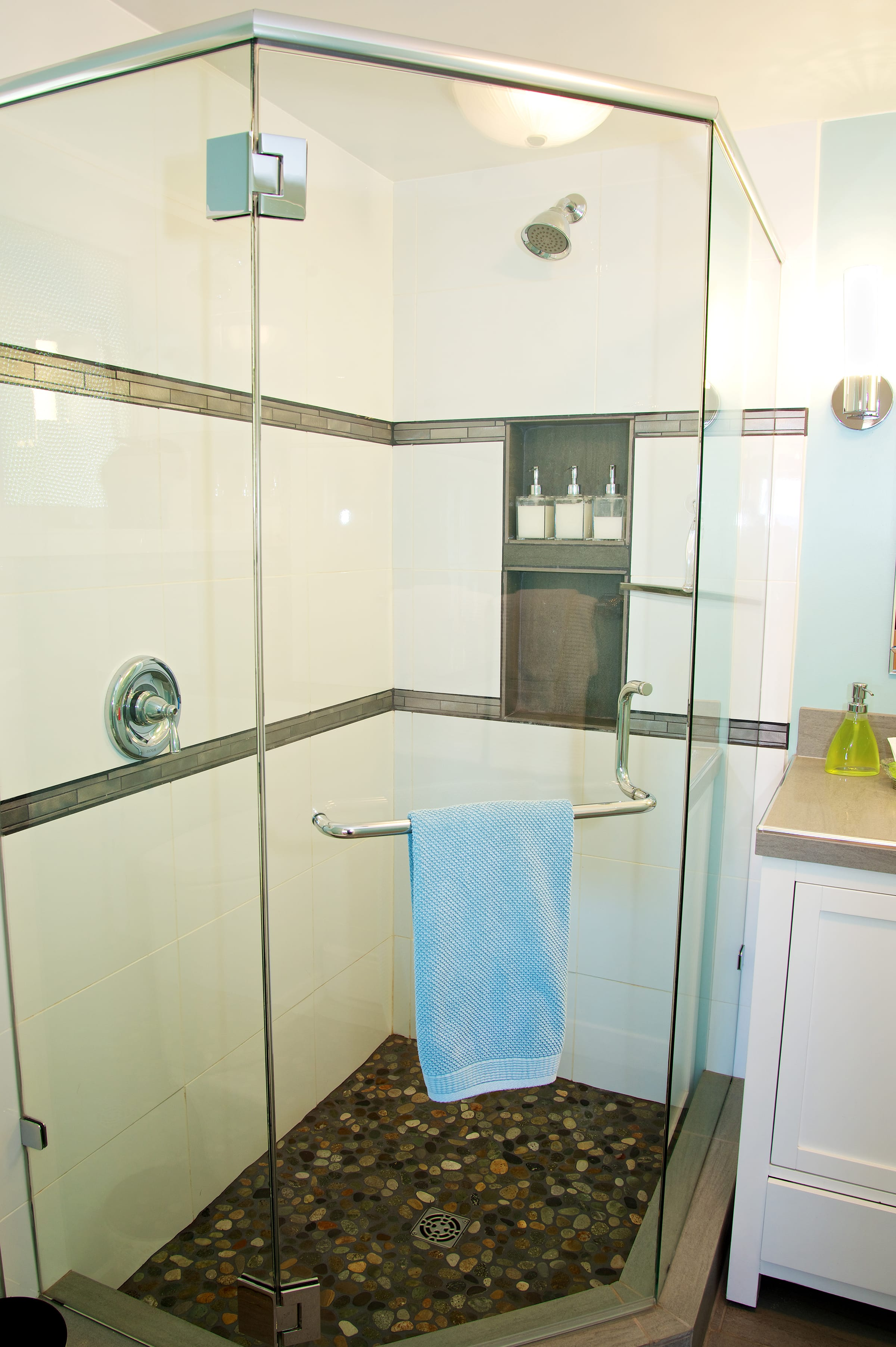 NEW washroom with walk in shower (2)