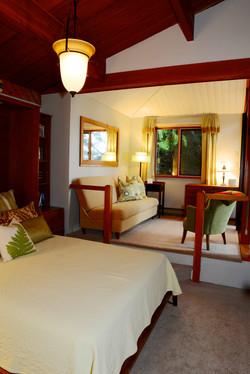 Quite trailside bedroom w queen bed (2)