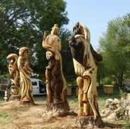 Totems au Jardin Extraordinaire de Lieurac