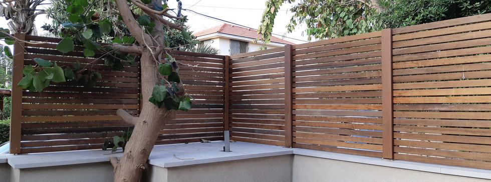 Eliwood - Fence (22).jpg