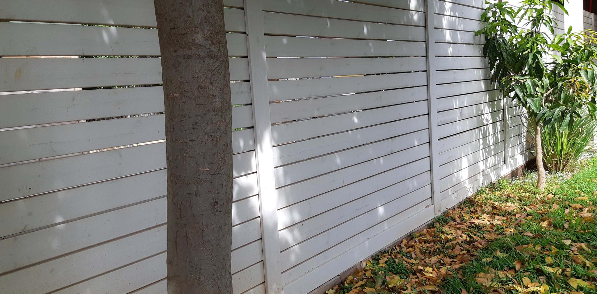 Eliwood - Fence (5).jpg