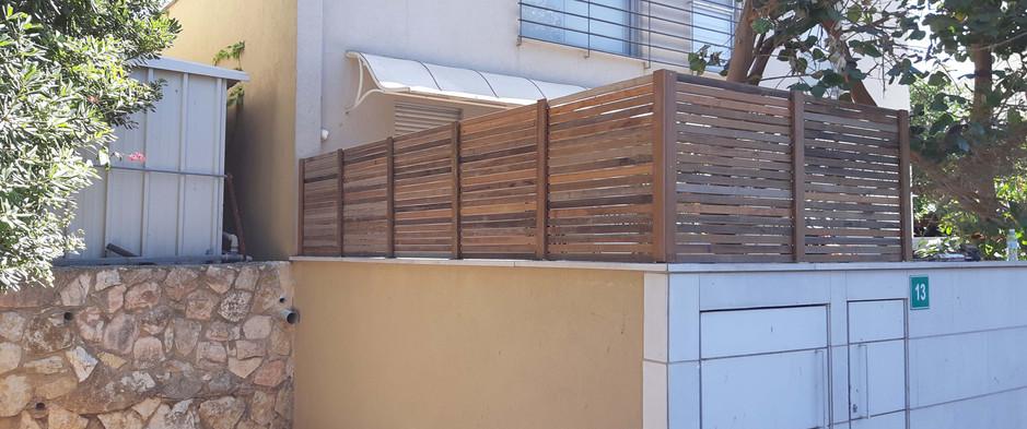 Eliwood - Fence (18).jpg