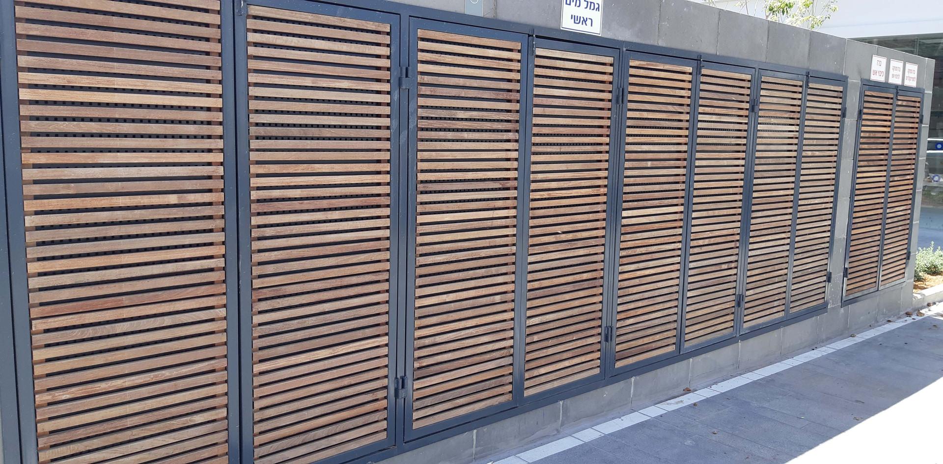 Eliwood - Fence (30).jpg