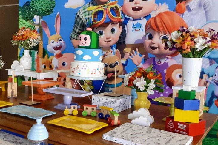 decoração festa cocomelon (4).jpg