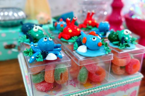 doces com apliques de peixinhos.JPG