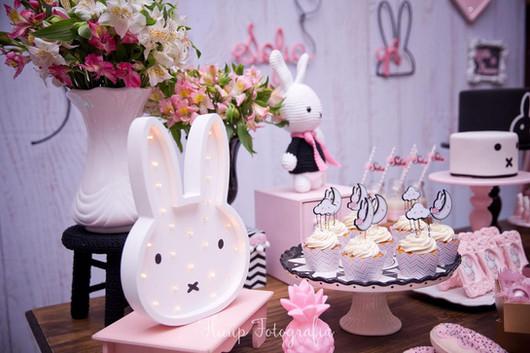 decoração_festa_coelhinha_miffy_(6).jpg