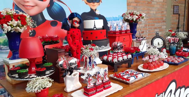 decoração festa ladybug (9).jpg