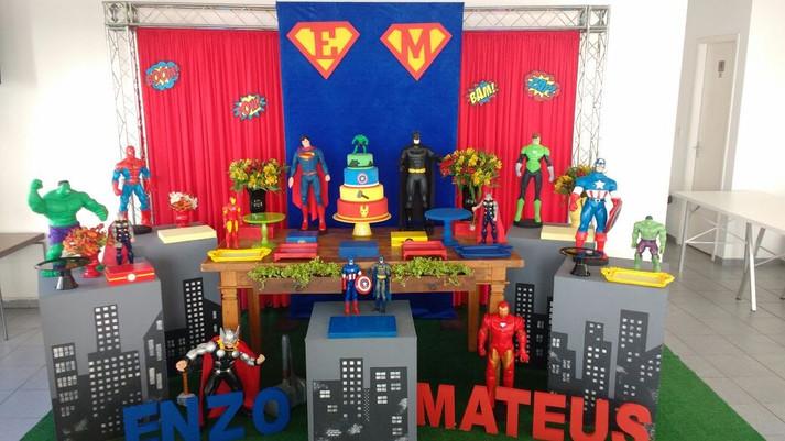 festa super herois enzo e mateus.jpg