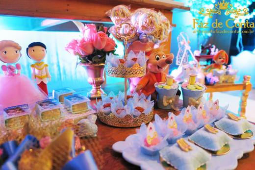 decoração-cinderela-com-doces.jpg