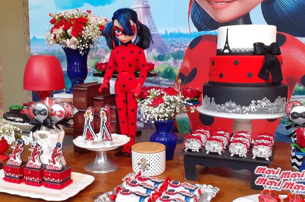 decoração festa ladybug (4).jpg