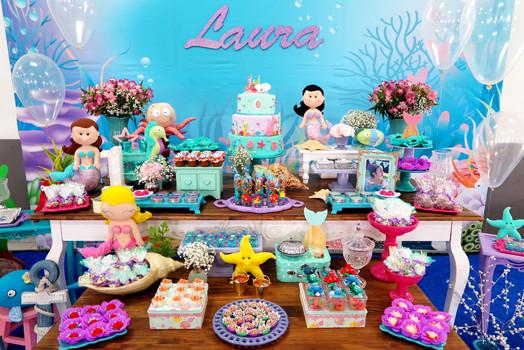 mesa decorada festa sereias.JPG