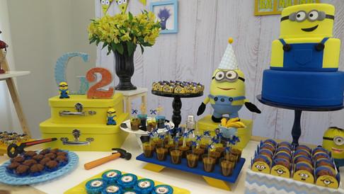 decoração festa minions (3).jpg