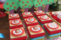 festa chapeuzinho vermelho alice (5).JPG
